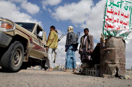صوره لأحد نقاط الحوثيين