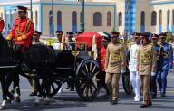 مصر تودع زويل الحائز على نوبل في الكيمياء بجنازتين عسكرية وشعبية