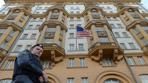 A Russian police officer patrols a street in front of the US Embassy  in Moscow, the headquarters of US Agency for International Development (USAID ) Russia's mission, on September 20, 2012. Russia said yesterday it had given USAID until October 1 to halt its work as the US aid agency was meddling in domestic politics, a move that risks sparking a new diplomatic crisis with Washington. AFP PHOTO / KIRILL KUDRYAVTSEV        (Photo credit should read KIRILL KUDRYAVTSEV/AFP/GettyImages)