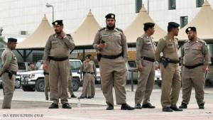 القوات السعودية تقتحم منازل المواطنين بالعوامية